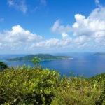 Blick vom Nil d' Aigle auf umliegende Inseln, La Digue, Seychellen
