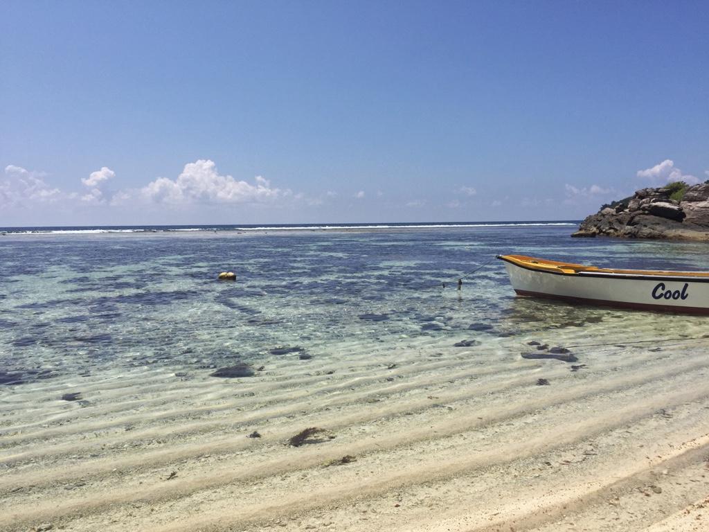 Boot Cool bei Ebbe Anse Forbans Mahe seychellen-reisetipps