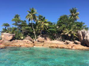 Blick auf Seychellen Inselchen St. Pierre